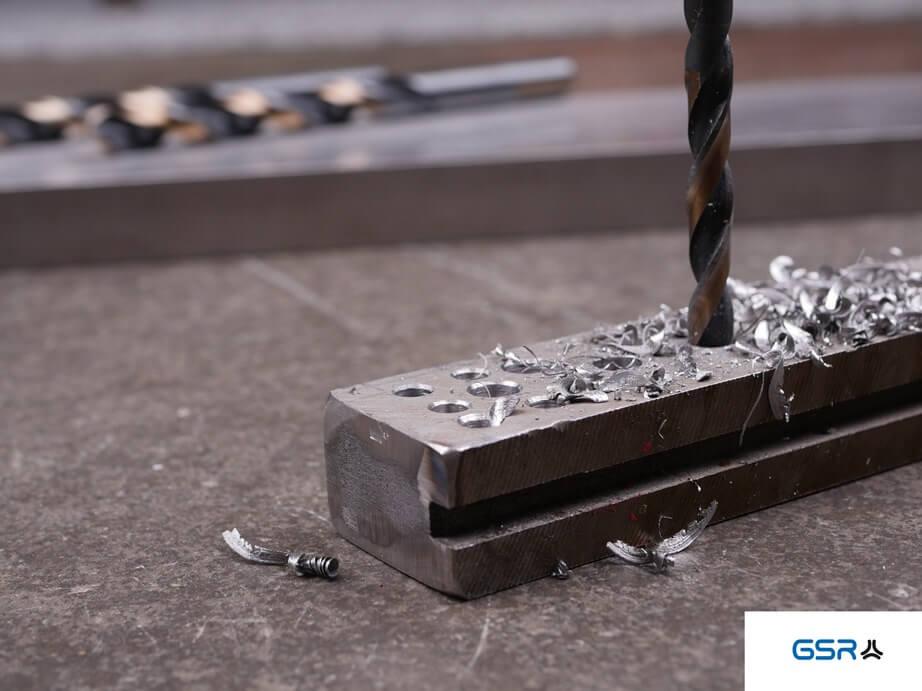 GSR PowerSpike Metallbohrer für Akkuschrauber: Bohrung in Edelstahl mit Metallspäne